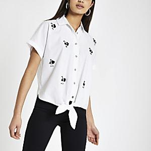 Chemise motif flamant rose blanc noué sur le devant