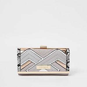 Grijze portemonnee met uitsnede en druksluiting