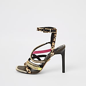 Bruine sandalen met luipaardprint, kettingbandje en hak