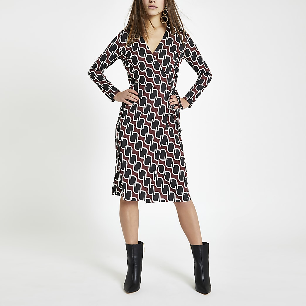 Petite red geo print tie waist wrap dress