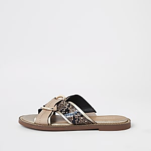 Beige cross strap ring flat sandals