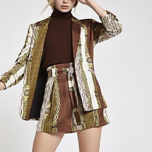 Braune Shorts mit Ketten-Print