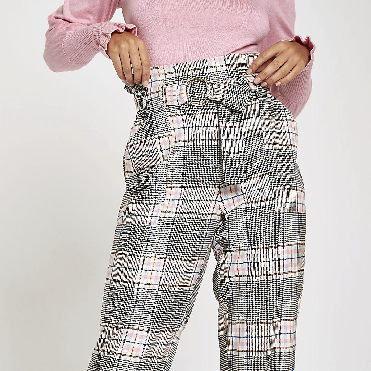 bf339b1bd8a06 Pantalon carotte à carreaux rose avec taille haute et ceinture à anneau ...