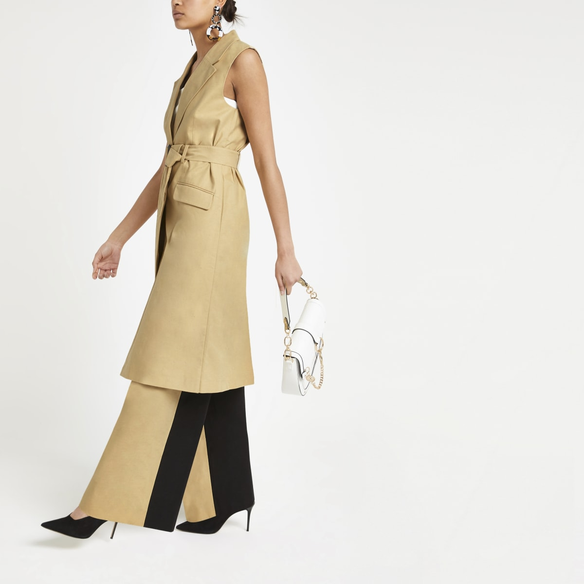 Light brown sleeveless trench coat