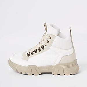 Witte stevige vetersneakers