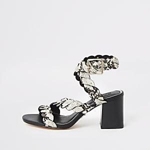 Grijze sandalen met slangenprint, studs, brede pasvorm en blokhak