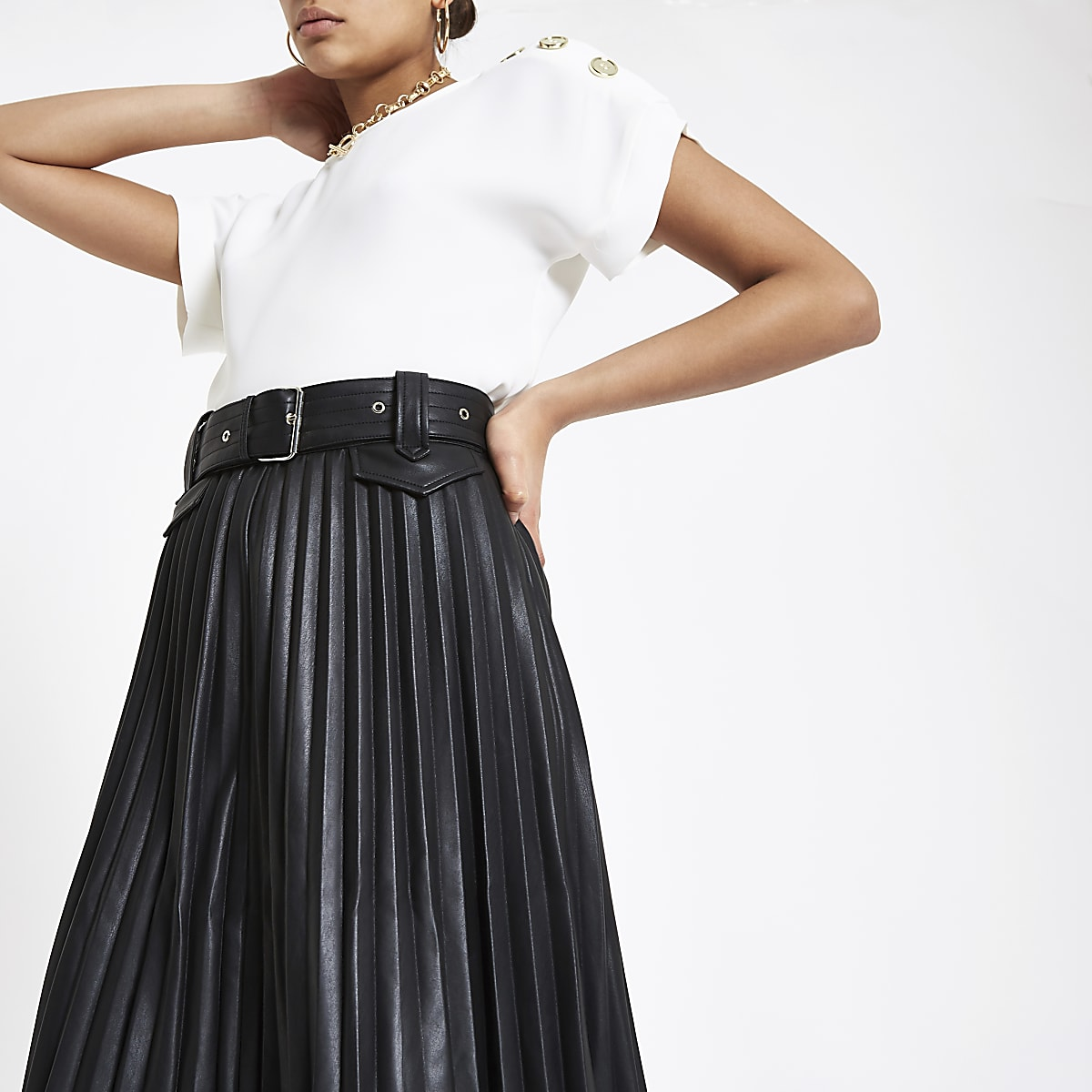 fa3214bab4 Black pleated midi skirt - Midi Skirts - Skirts - women