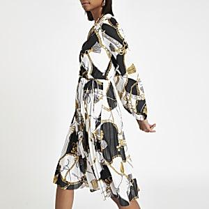 White chain print pleated dress