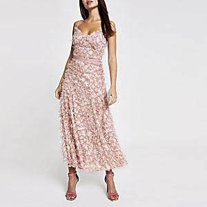Forever Unique – Robe longue rose clair texturée
