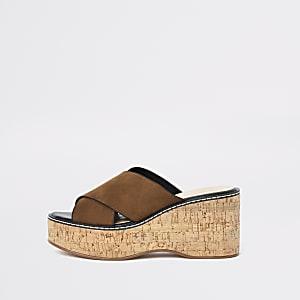 Sandales compensées marron clair façon mules