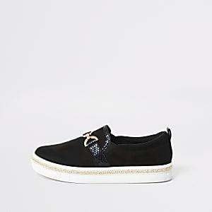 Zwarte slip-onsneakers met gespdetail