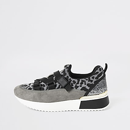 Grey leopard print runner trainers