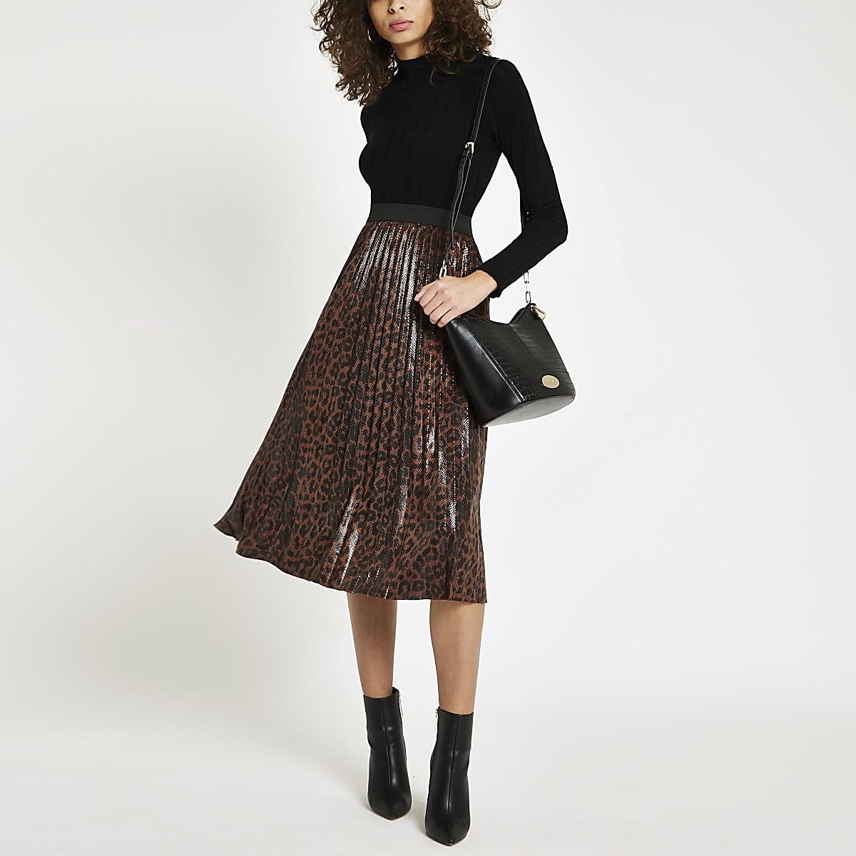 Brown leopard print pleated skirt