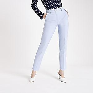 Lichtblauwe smaltoelopende broek