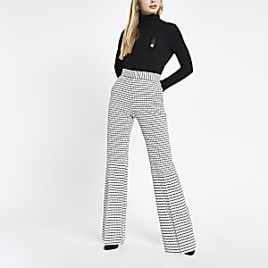 White check flare pants