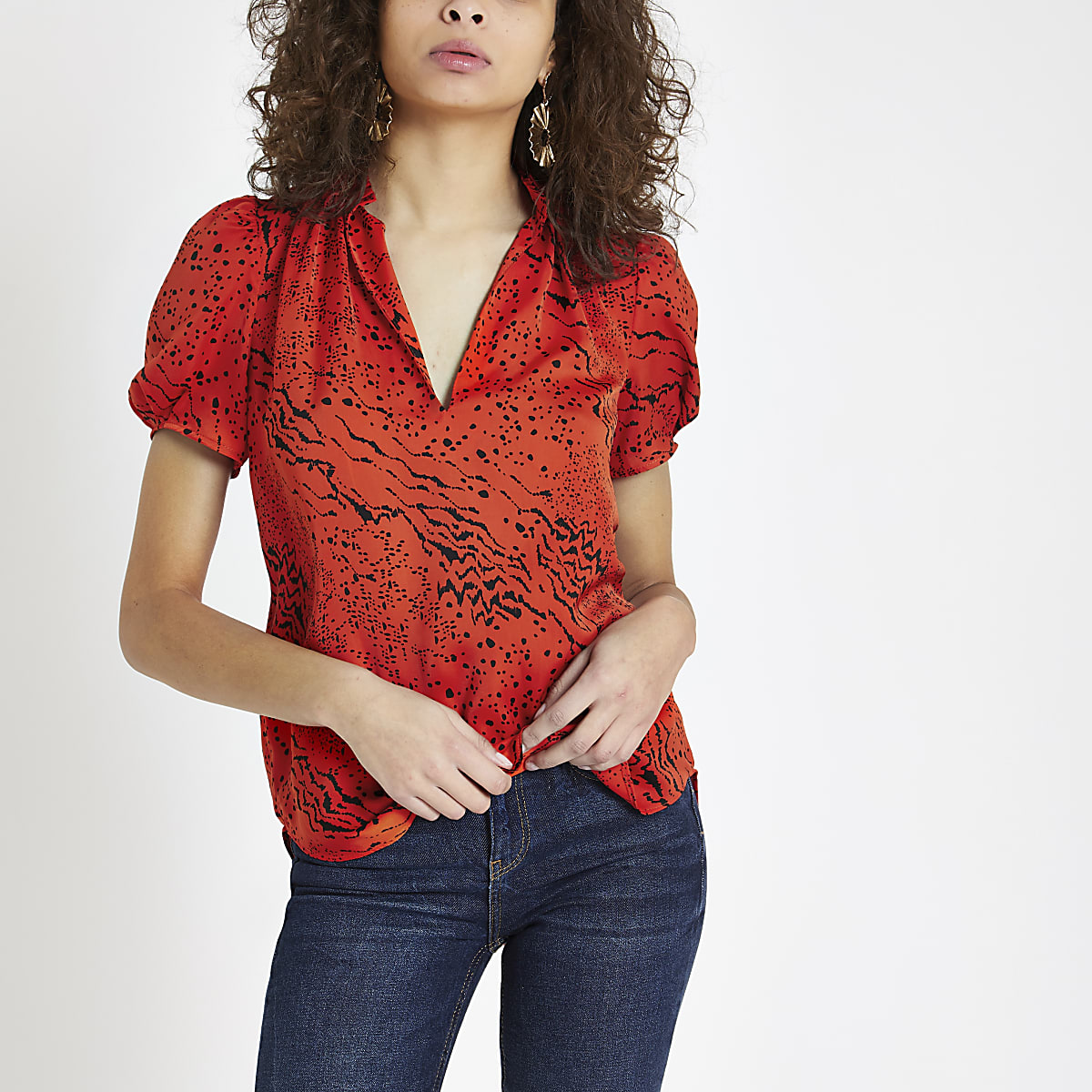 Red printed V neck shell top