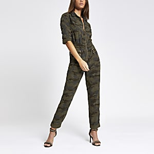 Kaki jumpsuit met camouflageprint