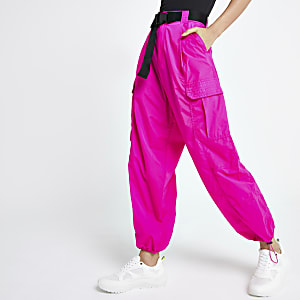 Pantalon utilitaire rose ceinturé