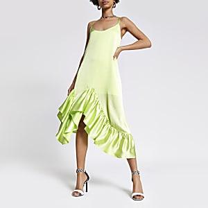 Robe mi-longue vert citron à volants