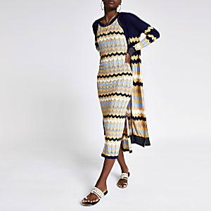 Marineblauwe gebreide jurk met zigzagstreep