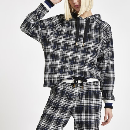 Black check print hoodie outfit