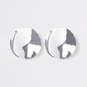 Silver color hammered disc stud earrings