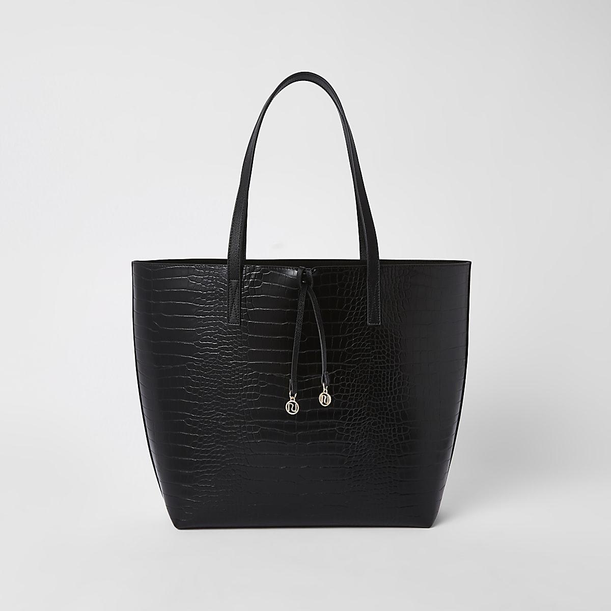 Schwarze Tasche mit Kroko-Prägung
