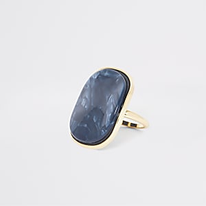 Blauer Ring in Wellendesign aus Kunstharz
