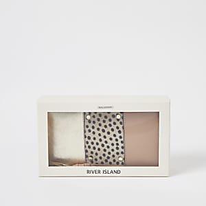 Beige portemonnee met stippen en rits rondom in cadeauverpakking