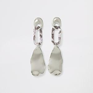 Silver color resin wavy drop earrings