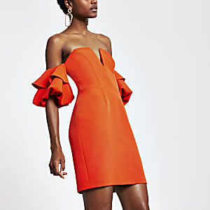 Red ruffle sleeve bodycon dress