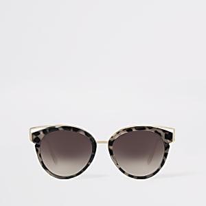 Caroline Flack - Bruine cat-eye-zonnebril