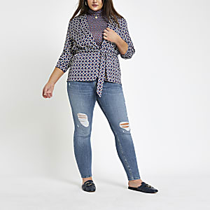 Plus – Alannah – Mittelblaue Skinny Jeans