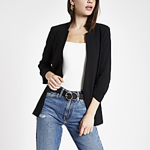 Zwarte zachte blazer met lange mouwen