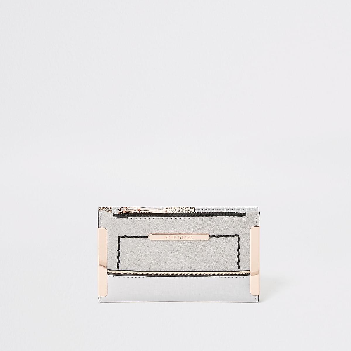 Light grey mini fold out purse