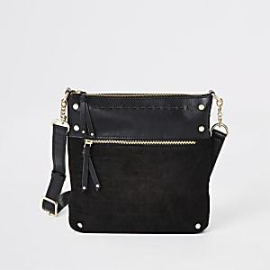 Schwarze Umhängetasche aus Leder mit Nieten