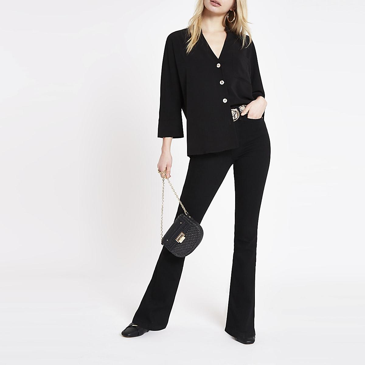 Schwarze Bluse mit Brusttasche