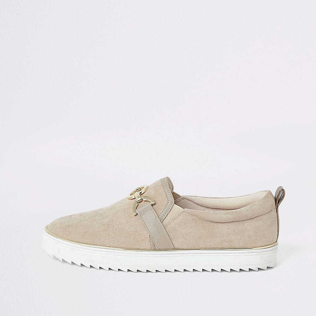 Beige slip-on sneakers met gespdetail
