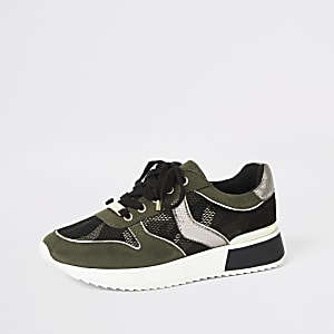 Khaki camo lace-up runner sneakers