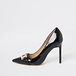 Black snaffle front pumps