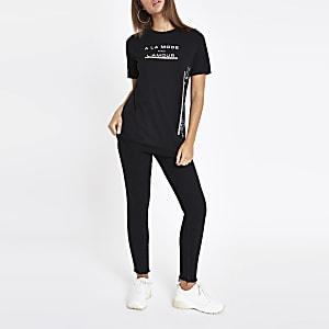 Zwart T-shirt met diamantjes langs de zoom