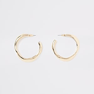 Gold tone wavy midi hoop earrings