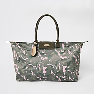 Khaki camo travel bag