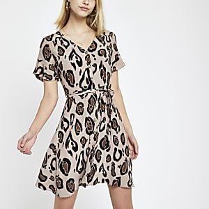 0f1e67a62327d Brown leopard print tea dress
