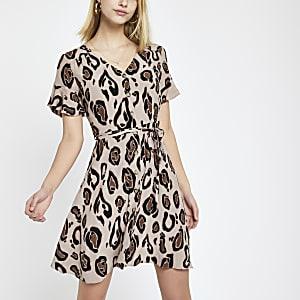 Braunes Kleid mit Leoparden-Print