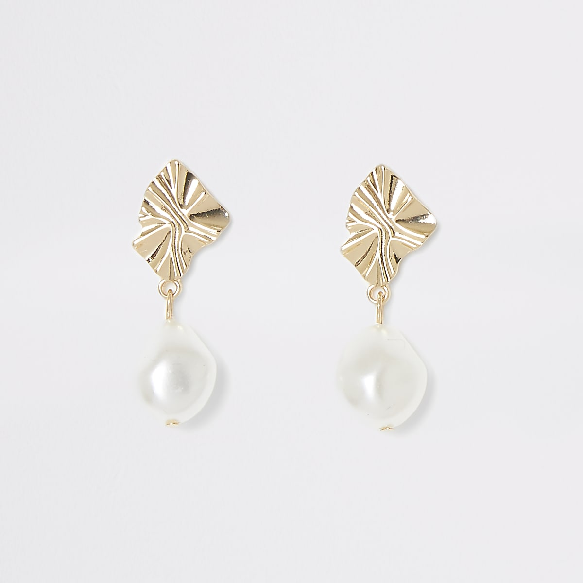 Gold color pearl drop earrings