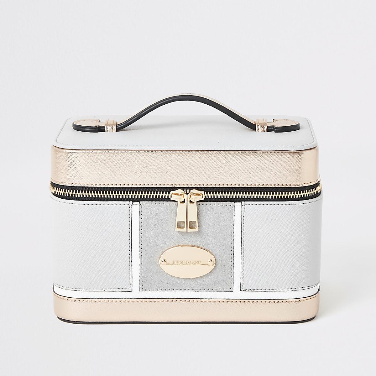 Light grey metallic vanity case