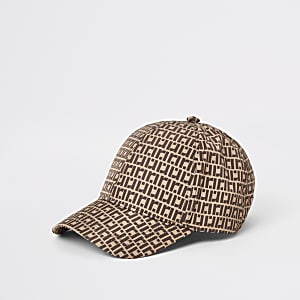 Braune Kappe mit RI-Monogramm