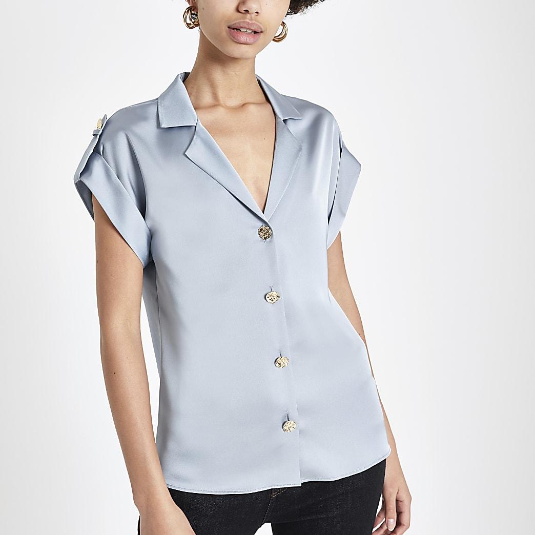 Chemise pratique bleue à manches courtes