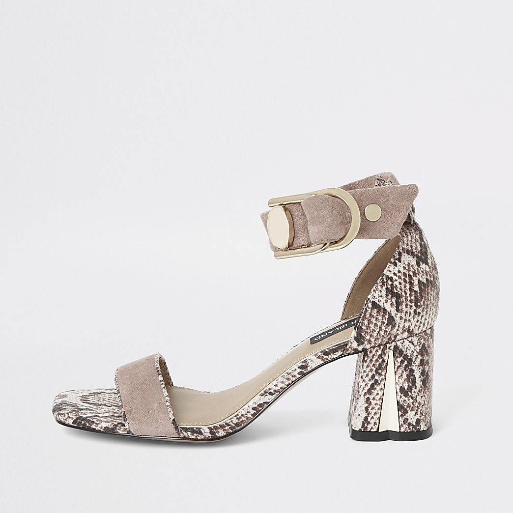 Roze sandalen met slangenprint en blokhak